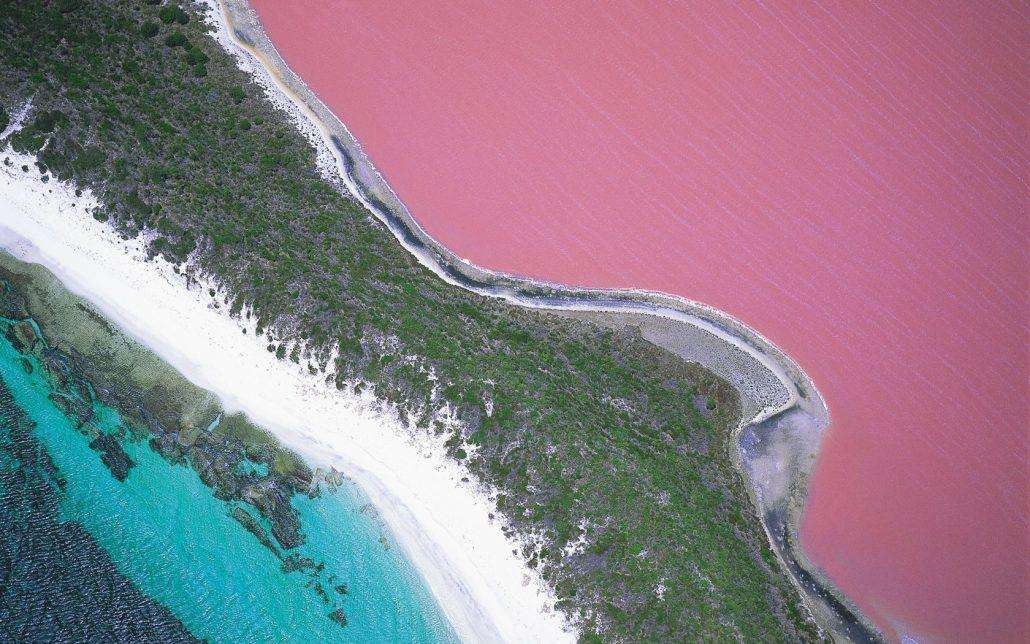 Lake-Hillier-in-Western-Australia-1030x644 12 psychedelic looking places to visit