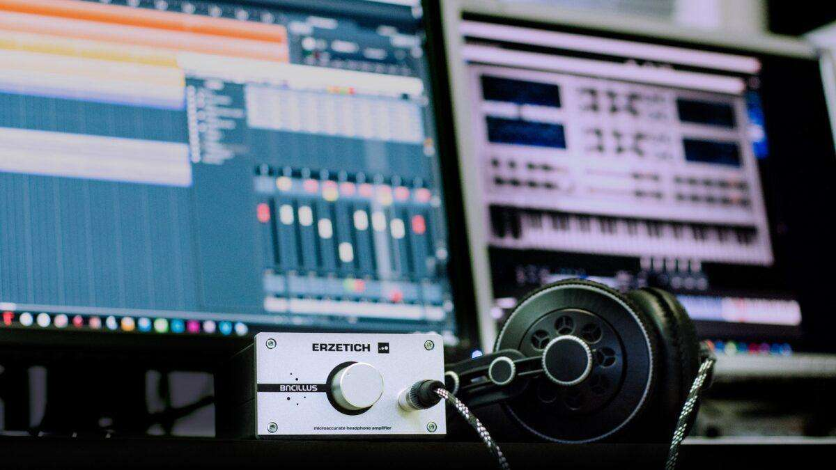 How to produce techno music